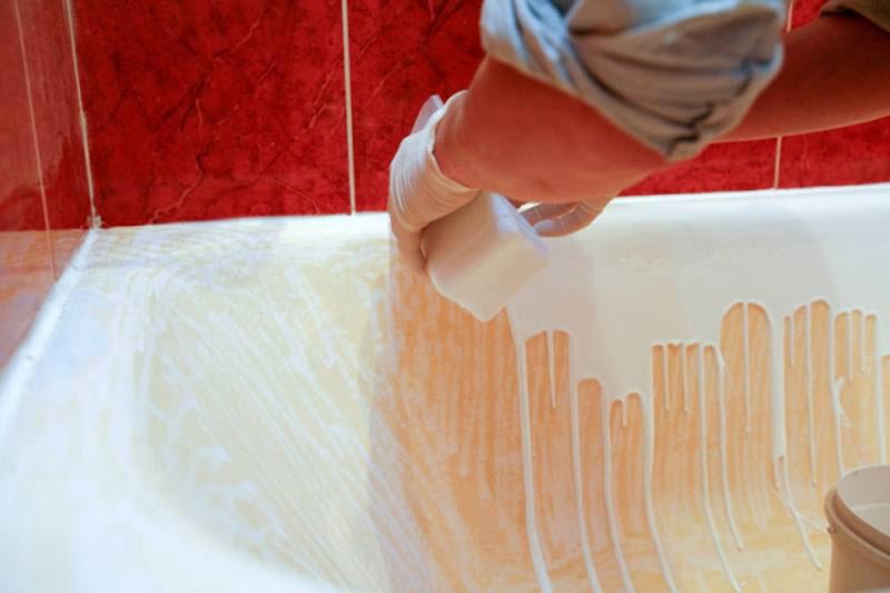Второй этап –заливка поверхности жидким акрилом и распределение