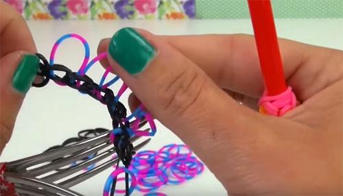 🎀 Что можно сплести из резинок: новые техники плетения в фото и видеоинструкциях