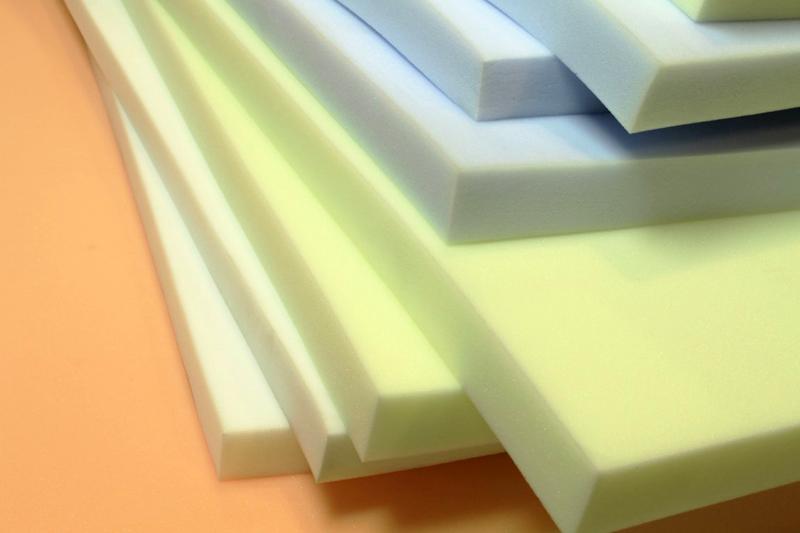Поролон – традиционный, но не самый лучший материал для наполнения диванов