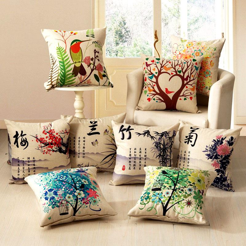 Необычное преображение декоративных подушек – рисунки специальными красками по ткани