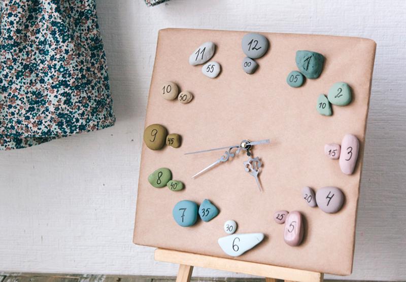 Необычные часы можно сделать из камней