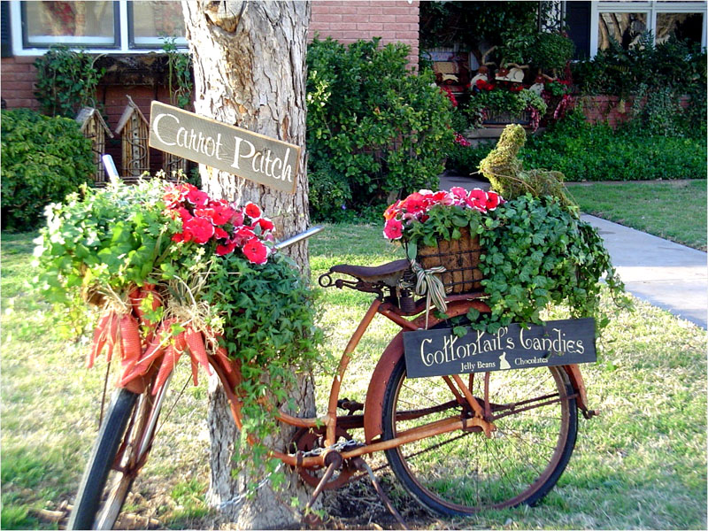 На велосипед можно поставить кашпо с цветами