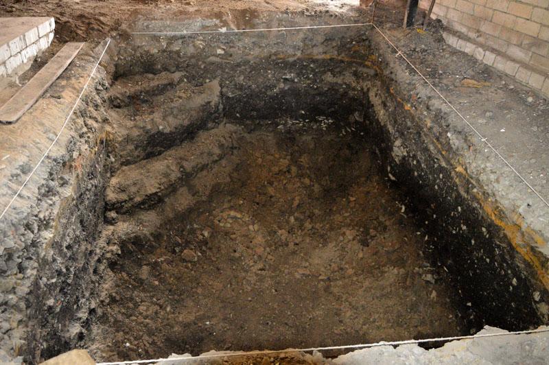 В построенном гараже копать погреб намного сложнее