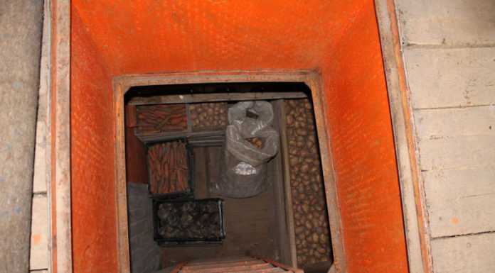 💡 Как построить подвал в гараже: личное овощехранилище своими руками