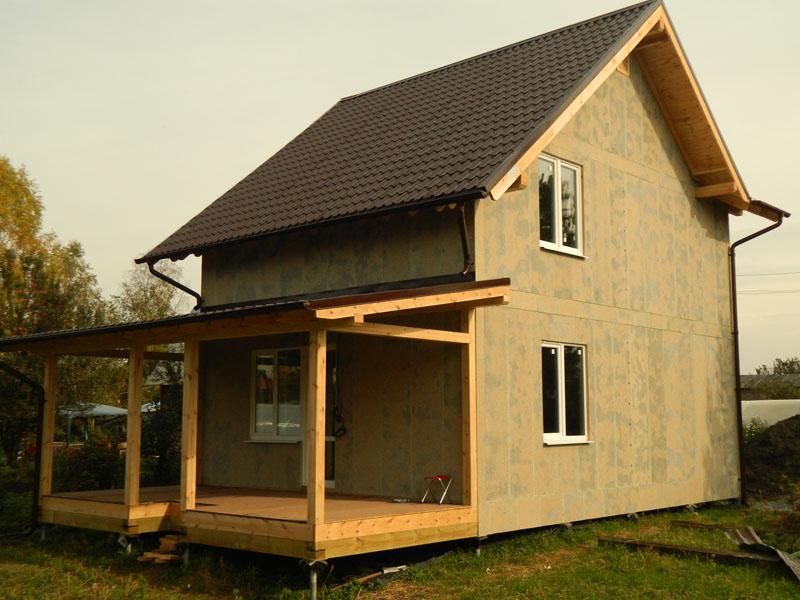 Даже двухэтажный дом настолько лёгок, что его вполне выдерживает свайно-винтовой фундамент
