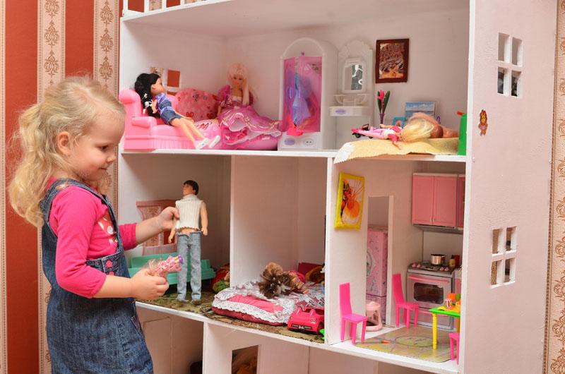 Габариты домика и всех комнат должны подходить куклам по размеру