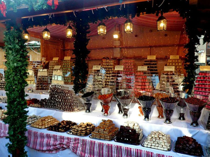 Как новогоднее украшение магазинов и торговых центров помогает увеличить продажи в 3 раза