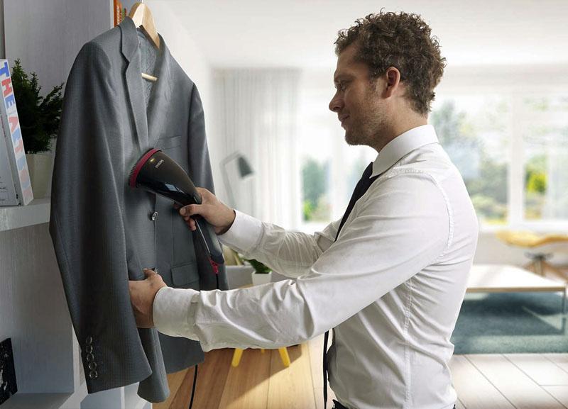 Хороший отпариватель с лёгкостью разгладит костюм или даже пальто