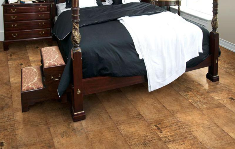 В спальне можно использовать пробковый пол небольшой толщины 21 класса