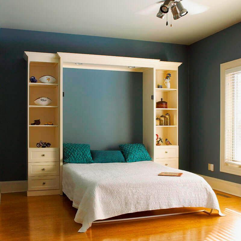 Как установить полноценную двуспальную кровать на маленькой площади? Обратите внимание на модели-трансформеры: при необходимости гарнитур превращается в аккуратный шкаф