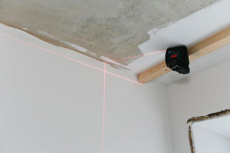 Разметка при помощи лазерной рулетки