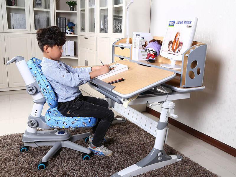 Правильное распределение нагрузки на спинку стула по время занятий