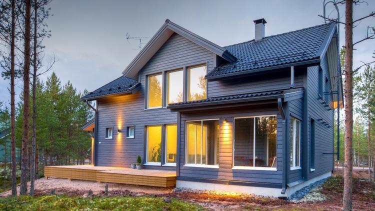 Каркасные дома, выстроенные своими руками, смотрятся прекрасно