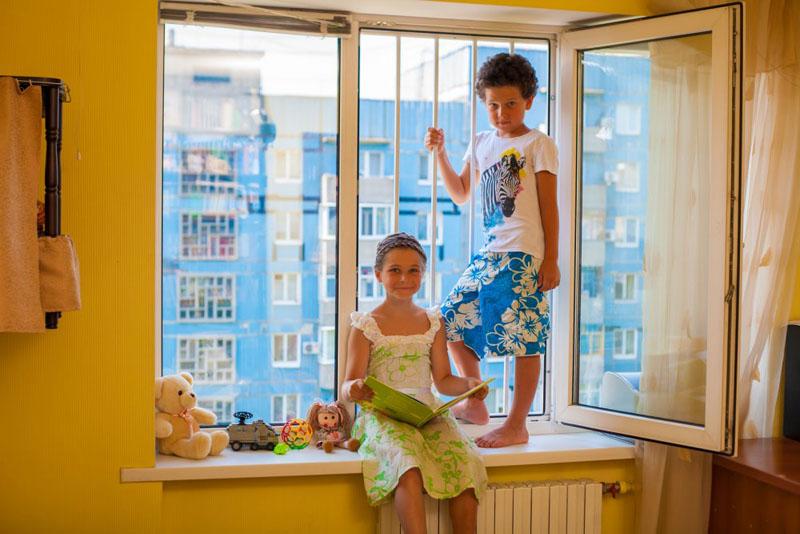 Основная задача родителей – обеспечить безопасность своих детей в домашних условиях