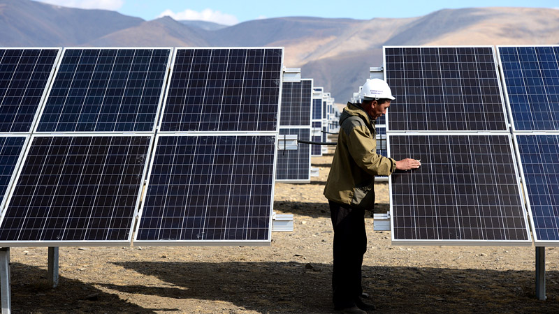Для генерации электрической энергии комплектуются солнечные электростанции, основой которой служат солнечные батареи (панели), изготавливаемые на основе кристаллов кремния