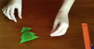 🎄15 мастер-классов по изготовлению на Новый год объемных ёлочек из бумаги и картона