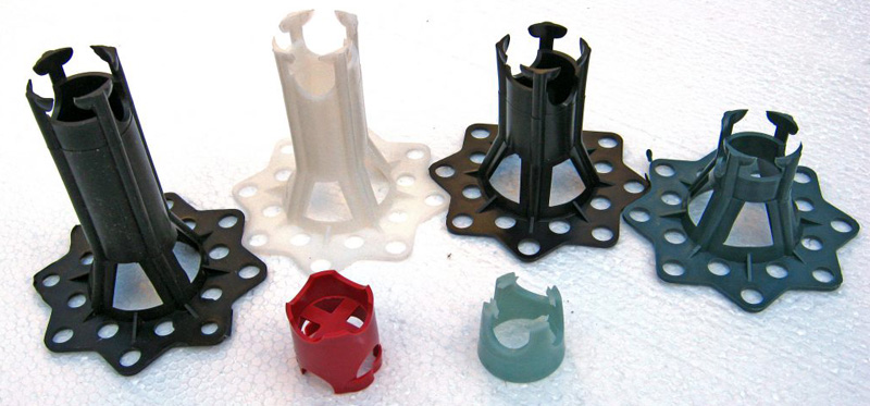 Главная особенность фиксаторов – универсальность: их можно подобрать для любого вида и размера арматуры или фиксирующих труб