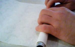 Как сделать своими руками самое простое и недорогое украшение для окон: жалюзи из обоев