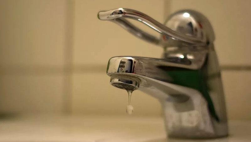 Место утечки воды можно проверить простым способом, закрыть все краны и посмотреть идет ли расход