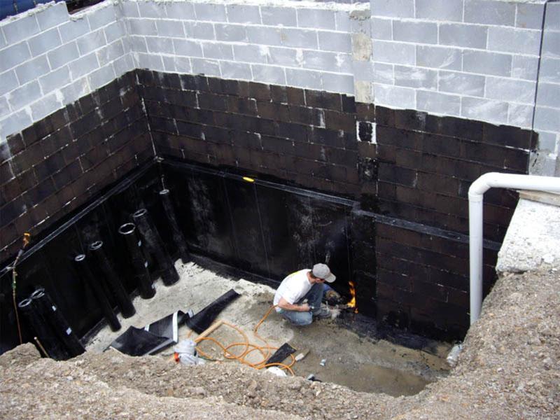 Битумные мастики и бикрост не всегда спасают положение, однако, для некоторых строительных материалов проникающие составы неприменимы