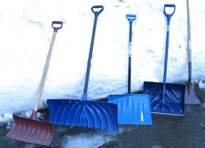 Если работа по уборке снега будет проходить на больших площадях, то используется раздвига