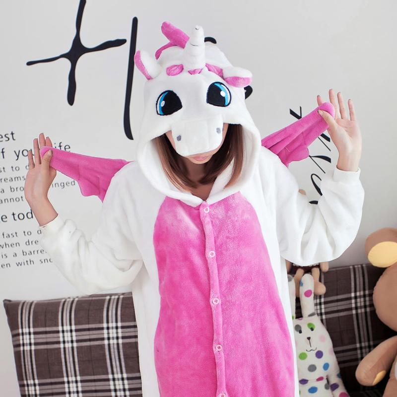 Костюмированные пижамки-кигуруми очень популярны в последнее время