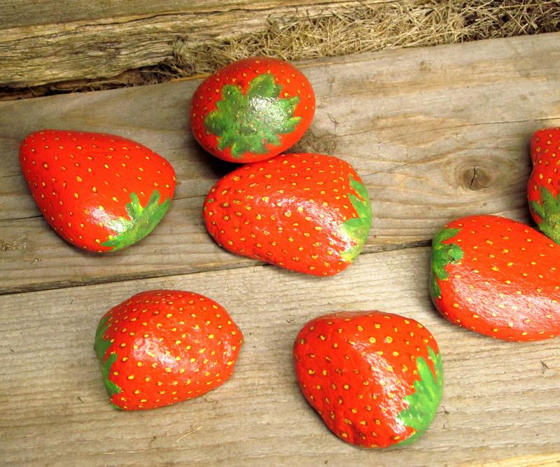 Такие камешки можно приобрести в магазине или раскрасить самостоятельно