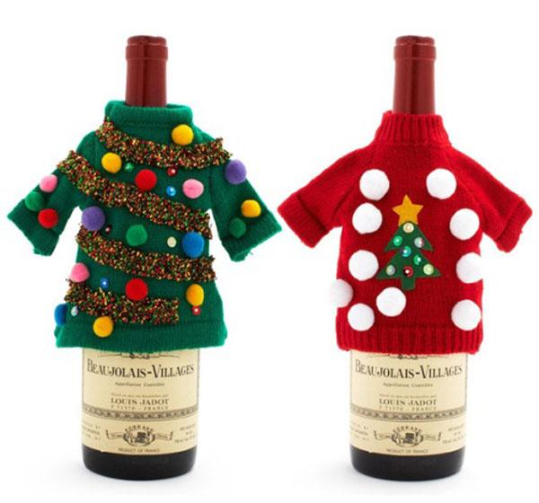 Можно даже раздеть кукол на период празднования Нового Года и надеть их костюмчики на бутылки