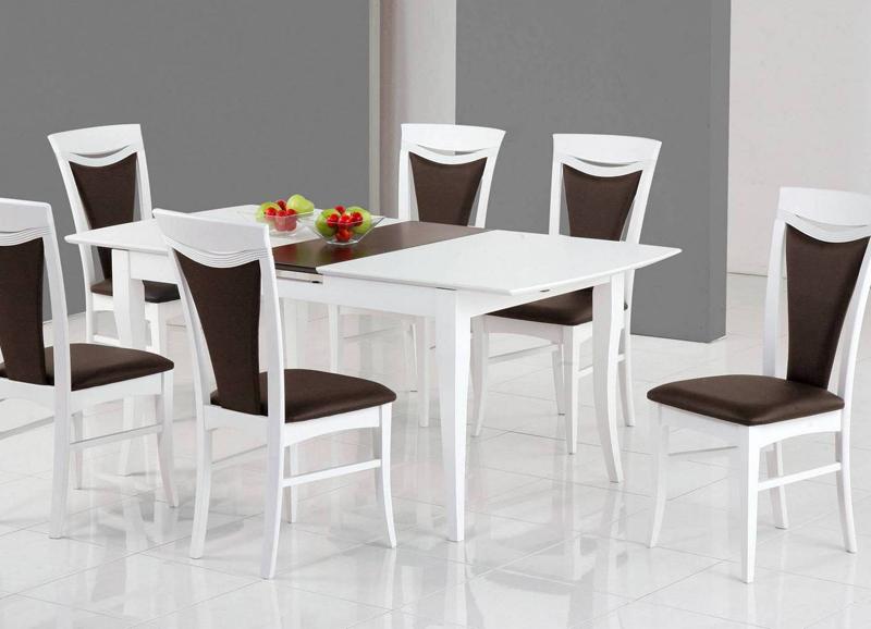 Цвет мебельного гарнитура не должен вызывать визуальную дисгармонию. Хорошо, когда основной цвет стульев сочетается со столом или другой мебелью