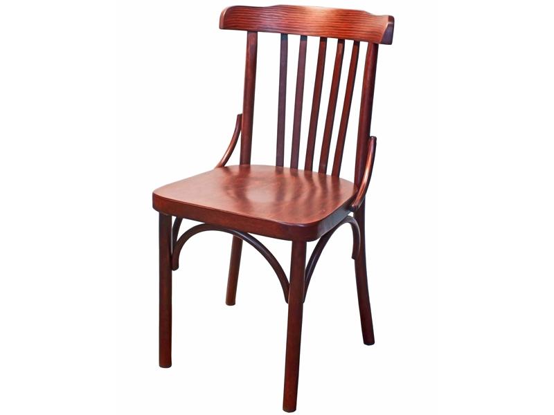 Неокрашенная мебель естественных древесных оттенков остаётся на пике популярности