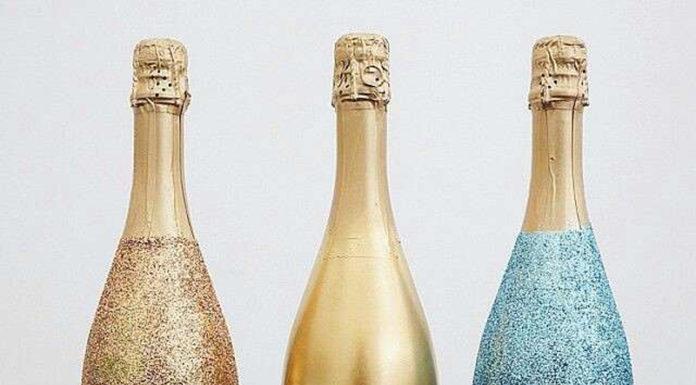 🍾 Последний штрих: как быстро и необычно украсить бутылку шампанского на Новый 2019 Год