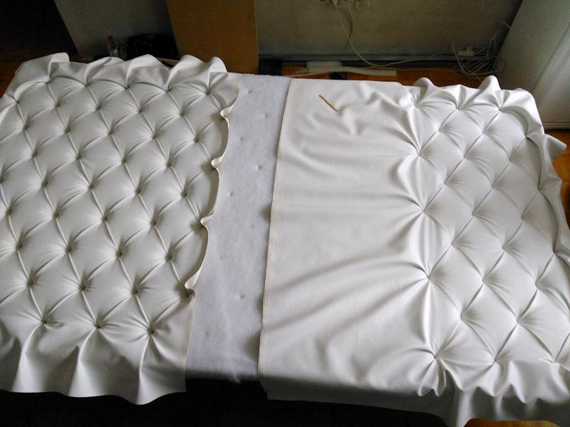 Декорирование мягкой спинки каретной стяжкой