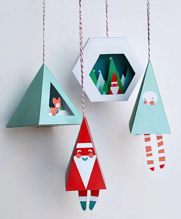 Чаще всего создаются ёлочные игрушки в технике оригами, а также новогодние открытки