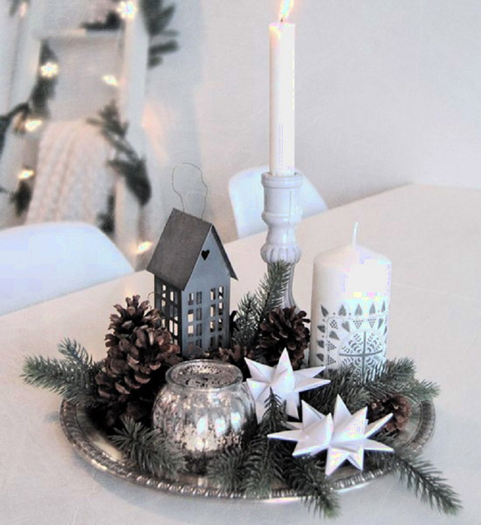 Новогодняя композиция для украшения праздничного стола