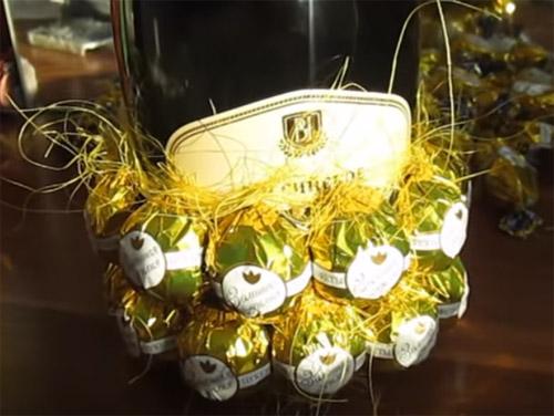 🍬 Сладкие, вкусные и красочные поделки из конфет на Новый Год - мастер-классы