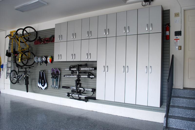 В гараже можно обустроить камеру хранения