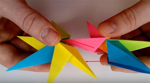 ❄ Праздничный декор из бумаги: необычные идеи создания снежинок и звёздочек своими руками