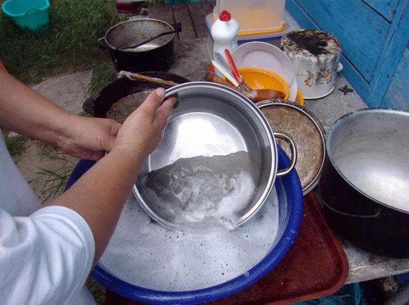 Пищевой содой можно мыть абсолютно любую посуду и поверхности