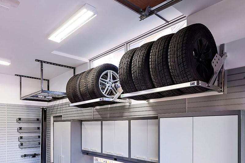 В гараже можно сделать сезонное хранение колёс за небольшую плату