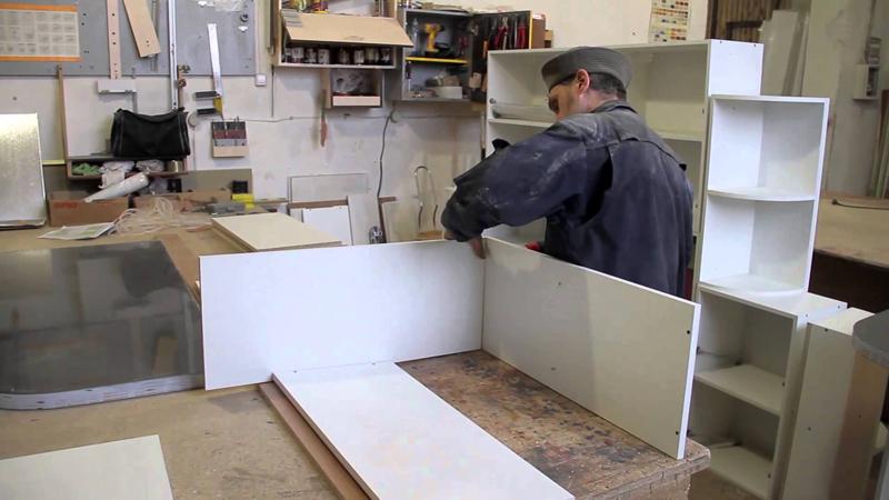 В гараже можно собирать малогабаритную корпусную мебель