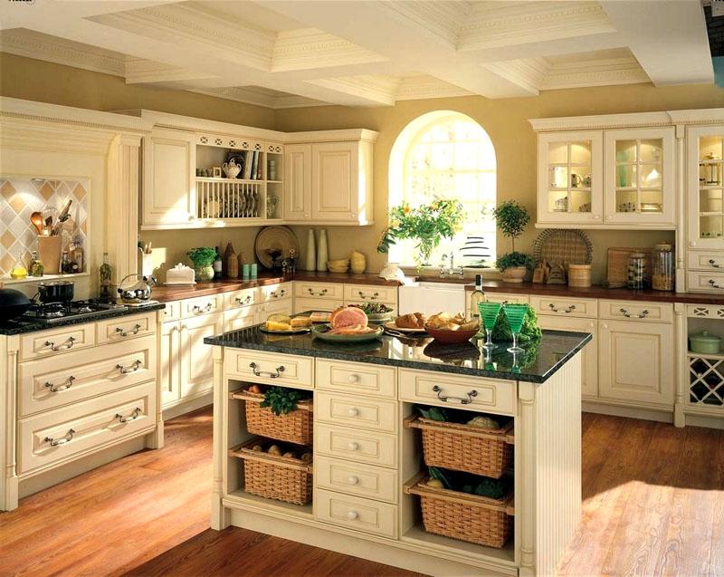 В гарнитурах удачны стеклянные вставки, деревянные решётки, корзины в качестве дополнительных мест хранения