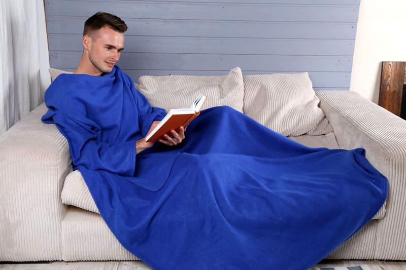Приятные на ощупь и благородные на вид пледы из микроплюша помогут создать неповторимую атмосферу уюта и расслабления за чтением книги
