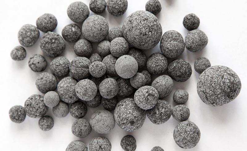 Пеностекло изготавливается и в форме гранул разнообразного размера