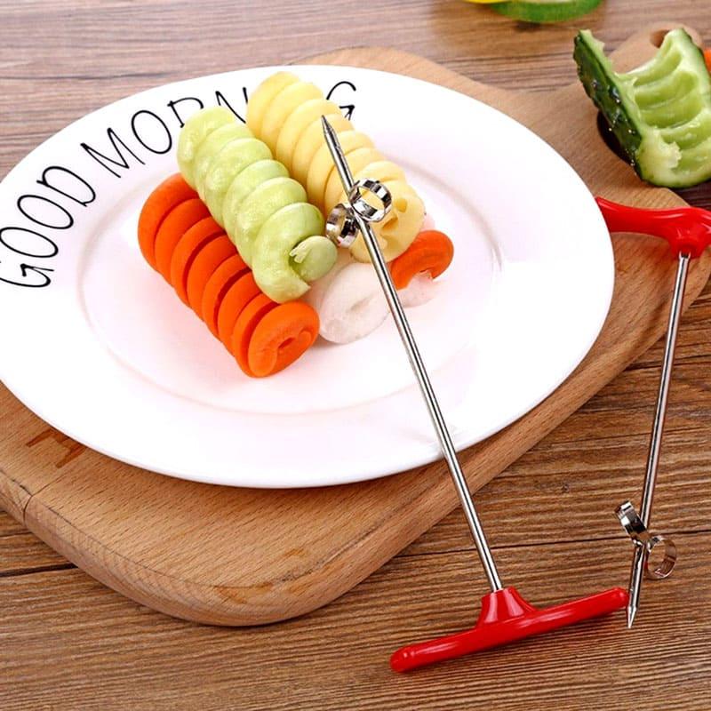 Этот простой ручной инструмент нарежет любые овощи и фрукты в аккуратные спирали