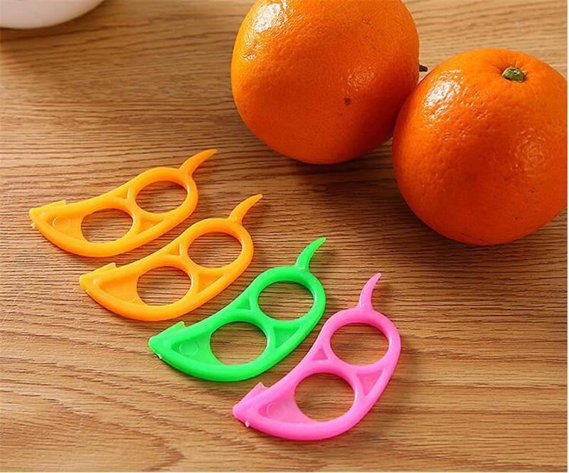 С помощью этого ножа вы легко почистите апельсин, грейпфрут или лимон