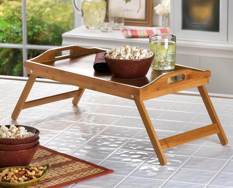 Складной столик можно взять с собой на природу