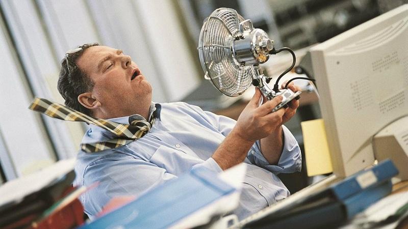 С панорамным остеклением в офисах в жару возрастает энергопотребление из-за постоянно включенных кондиционеров