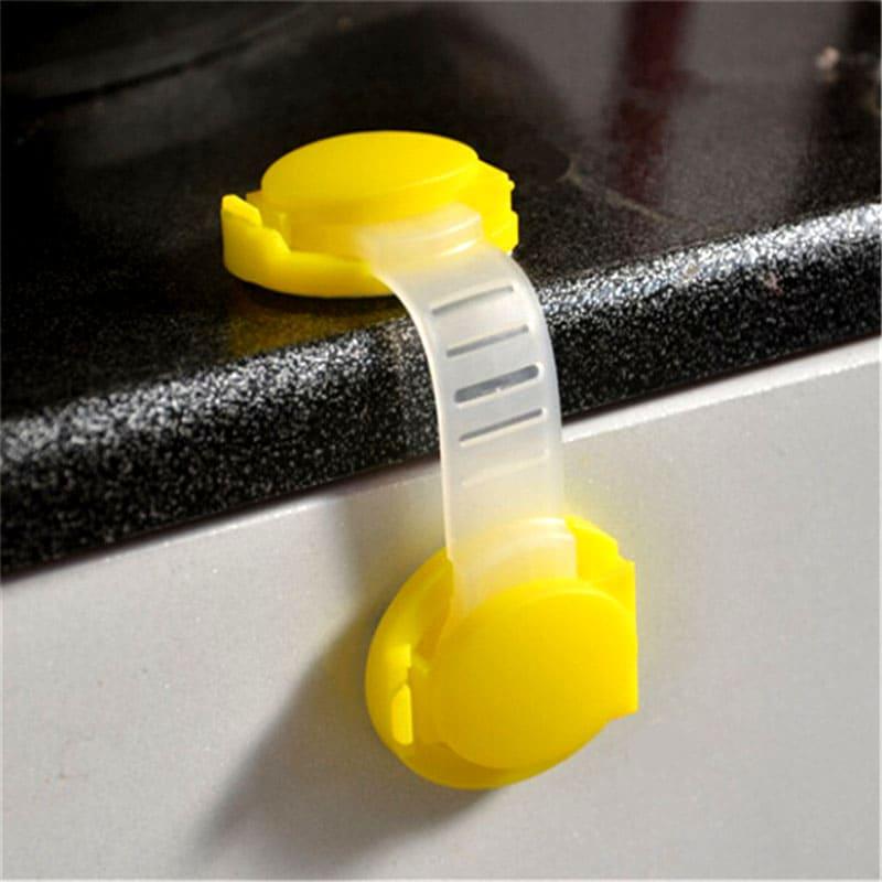 С таким замком содержимое ваших шкафов в полной безопасности