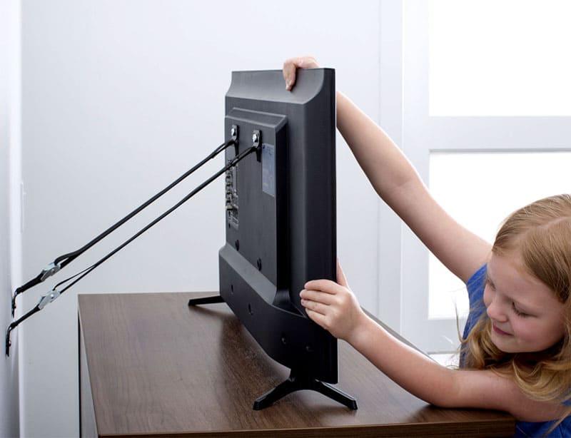 С таким креплением ваш монитор или телевизор не упадут