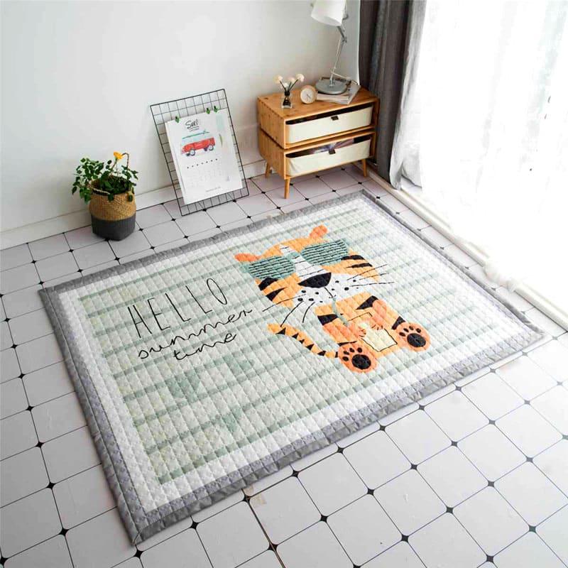 На таком стёганом коврике ваш малыш может играть на полу без риска простудиться